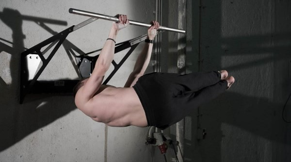 pull-up-bar-exercises-for-abs